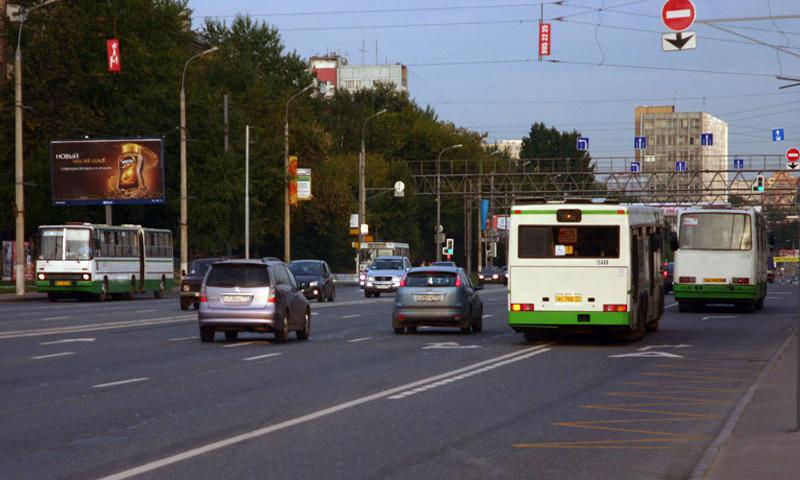 В Москве выделенные полосы стали доступными для такси и школьных автобусов
