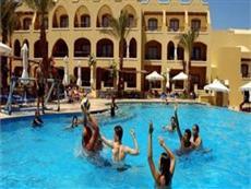 Отель sol y mar makadi sun находится в нескольких минутах ходьбы от сук макади