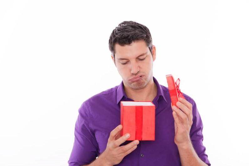 Что не стоит дарить мужчине и женщине на День Святого Валентина?