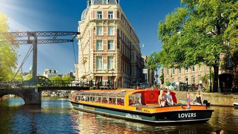 Сколько стоит прокатиться по каналам Амстердама?