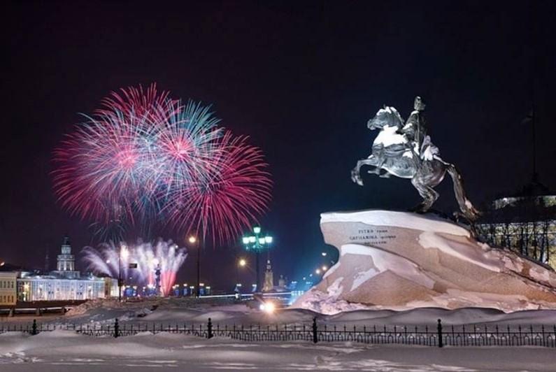ТОП-5 Городов России для празднования Дня защитника Отечества