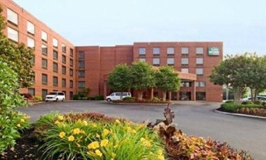GuestHouse Inn & Suites Nashville/Music Valley
