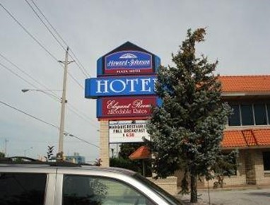 Howard Johnson Plaza Hotel Windsor Central