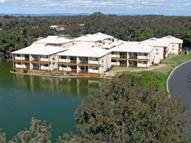 Lakeside Holiday Apartments South Yunderup