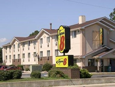 Super 8 Chesapeake Greenbrier