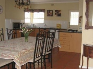 Paradiso Guesthouse & Self Catering Cottage