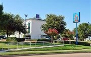 Motel 6 Dallas Lewisville