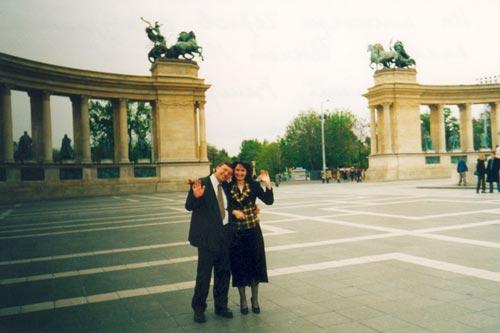 Секс на площади в будапеште