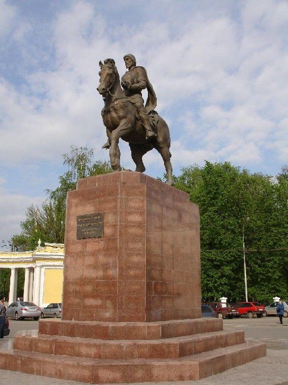 Эконом памятник Купола Новомичуринск Эконом памятник с резным крестиком в углу Каменск-Уральский