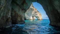 Девять самых красивых пещер Греции