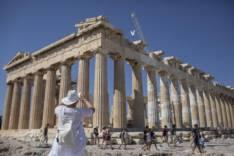 Что не так сейчас с отдыхом в Греции?