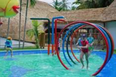 Счастливое детство в Kuramathi Maldives
