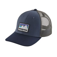 Patagonia Shop Sticker Patch Lopro Trucker Hat темно-синий ONE