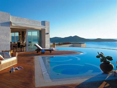 Продажа отелей у моря за границей