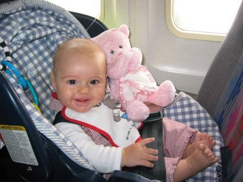 Нужен ли билет ребенку 2 года на самолет самолет адлер москва сколько стоит билет